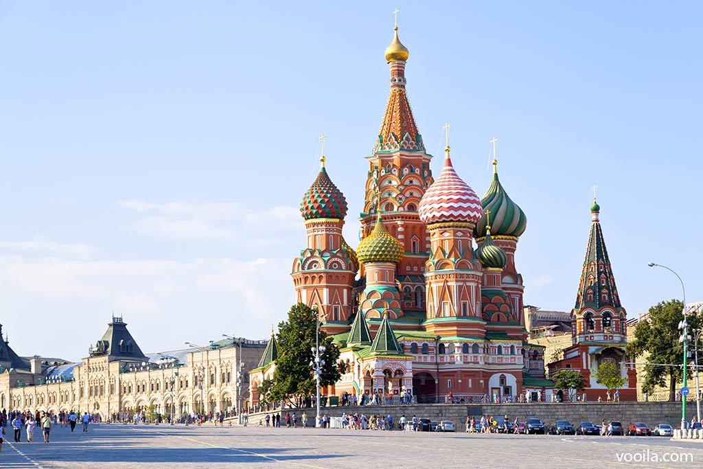 Risultati immagini per piazza rossa a mosca e il cremlino